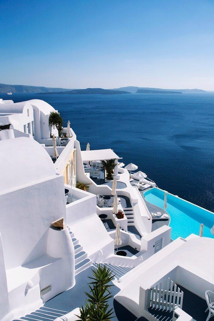 Travel al katikies hotel di oia in grecia una delle pi for Allergia al cloro delle piscine