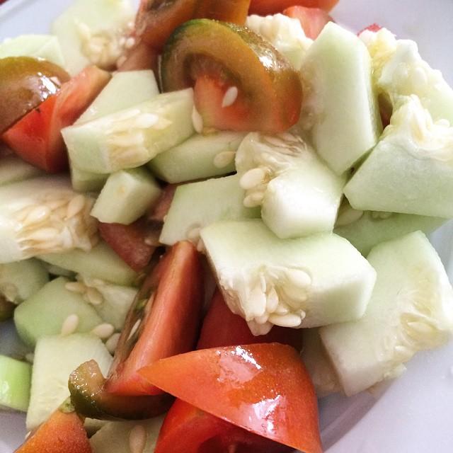Niente di più buono oggi: insalata di caroselli e pomodori #healty #food #verdure