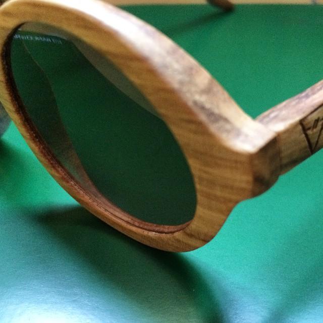 Oggi vi parlo  di un Brand che utilizza l'anima del legno e la sua essenza più naturale. Parlo di Kerbholz su @tieapart