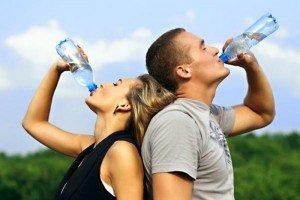 bere acqua a digiuno