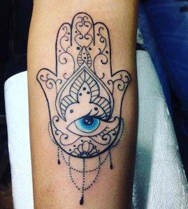 Tattoo mano di Fatima particolare